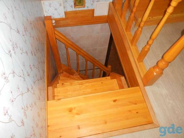 Деревянная лестница на второй этаж, фотография 5