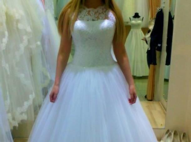 Красивое свадебное платье, фотография 3
