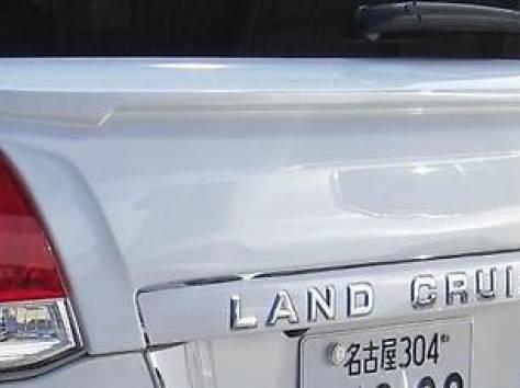Накладка на заднюю дверь Eight Star Land Cruiser 200, фотография 2