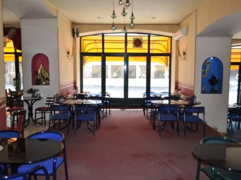 Действующее кафе в центре Ялты, фотография 1