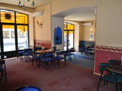 Действующее кафе в центре Ялты, фотография 3
