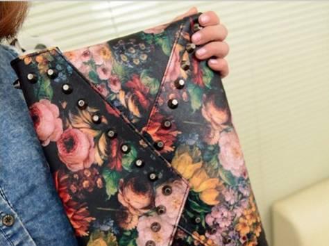 Женская сумка-клатч, фотография 1