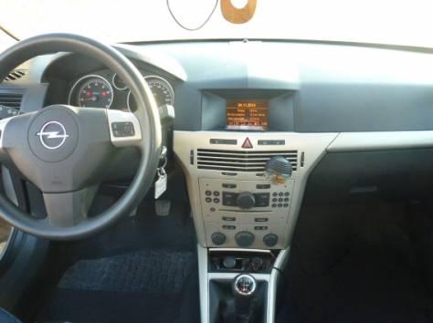Продается автомобиль Opel Astra 2009 г.в. , фотография 7