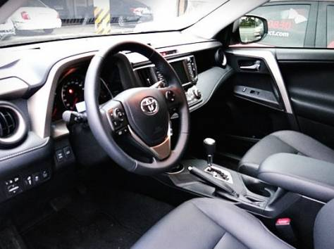 Toyota RAV4 LIMITED 2014 г. (4WD), фотография 3