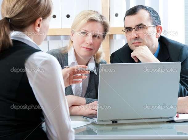 Сотрудник по работе с клиентами, фотография 1