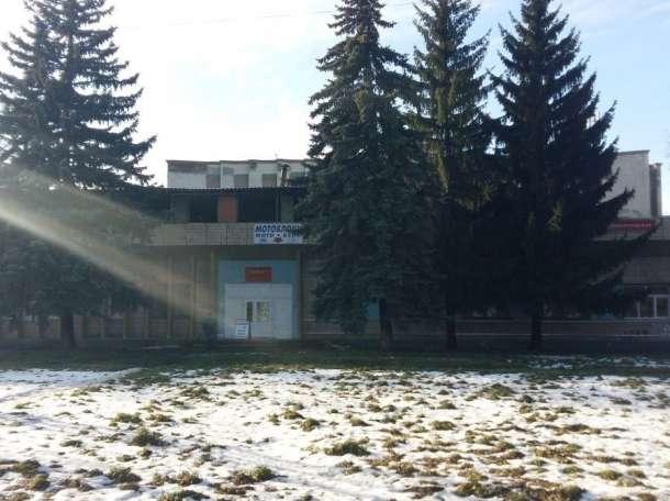 Торг. здание 900 м² с арендаторами на ул. Мира г. Новомосковск, фотография 1