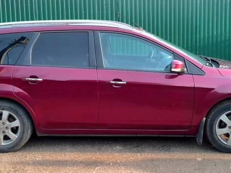 Продается семейный автомобиль, фотография 5