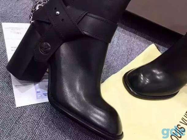 Черные кожаные ботильоны на каблуке LV, фотография 2