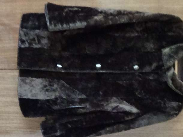 Продается мутоновая шуба коричневая б.у в отличном состоянии (торг.дом Мелита), фотография 1