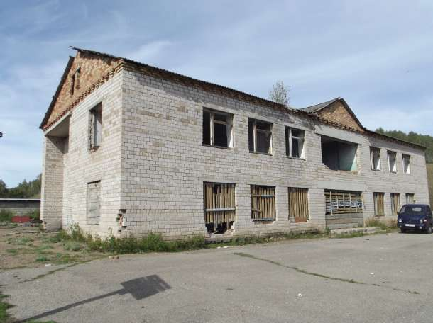 Двухэтажное кирпичное здание, Салаватский район, с.Алькино, фотография 3