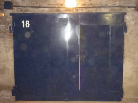 Продам капитальный подземный гараж возле дома Чехова 116, фотография 3