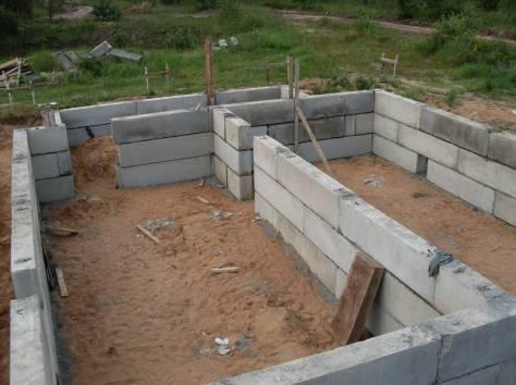 Как сделать фундамент из бетонных блоков видео