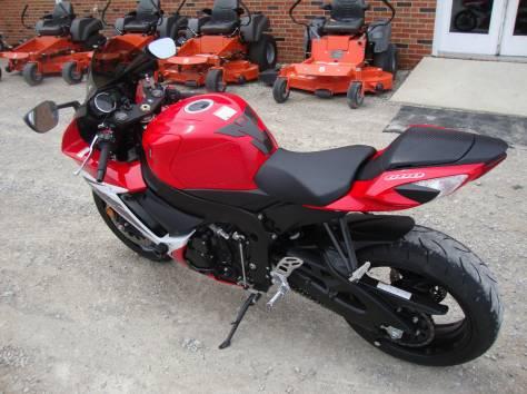 2011 Suzuki GSX-R, фотография 2