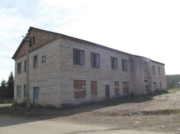 Двухэтажное кирпичное здание, Салаватский район, с.Алькино, фотография 4