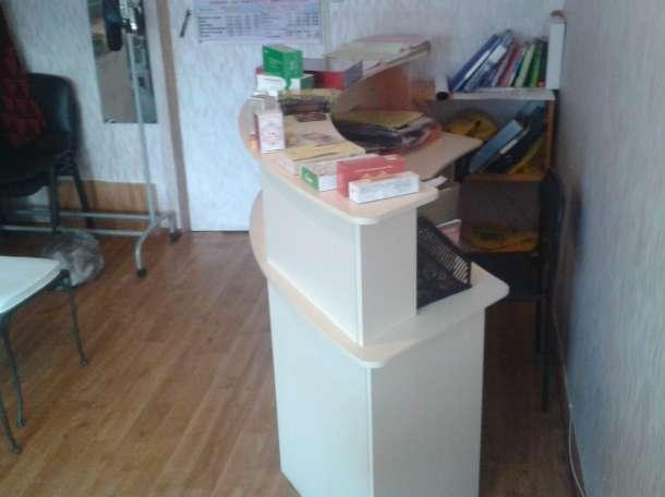 стол ресепшен, фотография 1