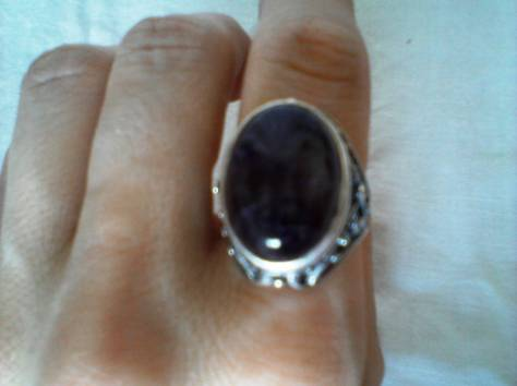 перстень р17 юв сплав ажурный с большим аметистом-кабошоном новый, фотография 2