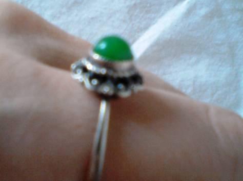 перстень р17 юв сплав ажурный с большим аметистом-кабошоном новый, фотография 3