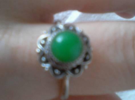 перстень р17 юв сплав ажурный с большим аметистом-кабошоном новый, фотография 4