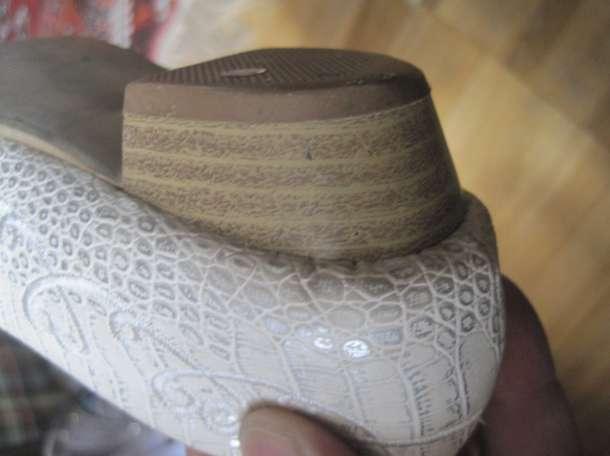Для девочки. Туфли для танцев спорта и не только в бежевых тонах с красивой однотонной вышивкой. Длина по стельке внутри, фотография 4