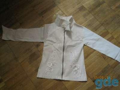Коллекционный образец красивой белой блузки - кофты с узором, фотография 1