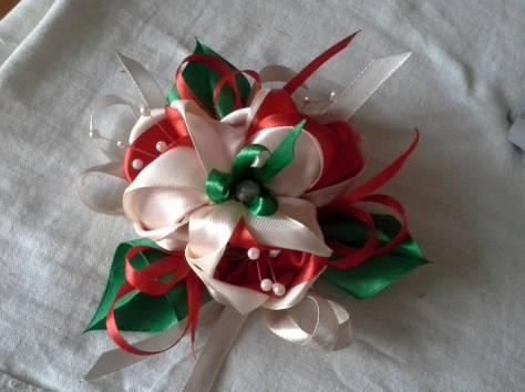 цветы и банты из атласных лент для украшения свадебных чемоданов и сундуков, фотография 3