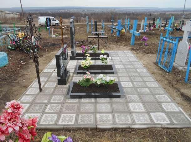 Укладка тротуарной плитки на кладбище, фотография 5
