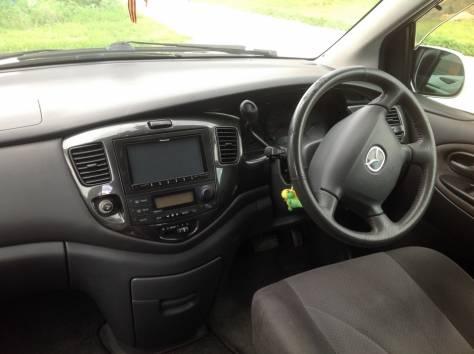 Mazda MPV, 2003г., пробег 208000, фотография 3