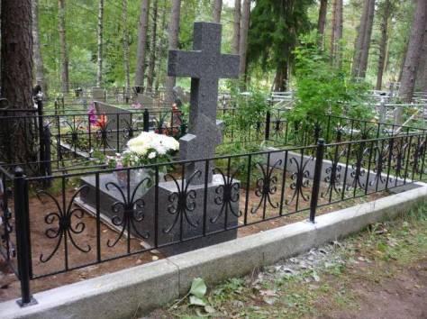 установка памятников и оградок, фотография 1