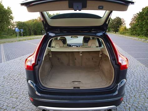 Volvo XC60 2.4d AT (163 л.с.) 4WD 2010, фотография 5