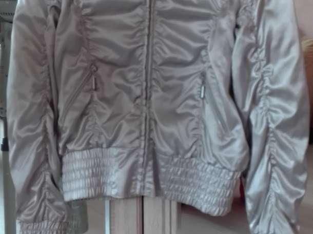 Куртка-ветровка, фотография 1