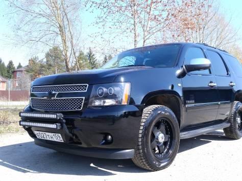 Продается Chevrolet Tahoe чёрный внедорожник, 2012 г., фотография 1