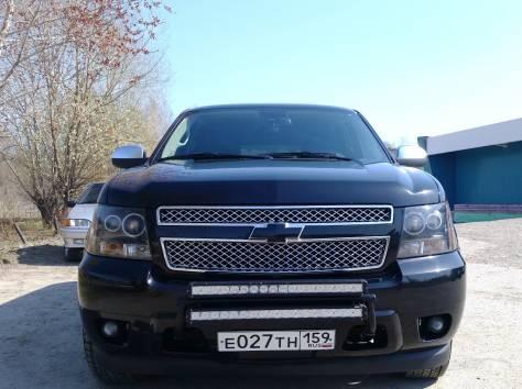 Продается Chevrolet Tahoe чёрный внедорожник, 2012 г., фотография 2
