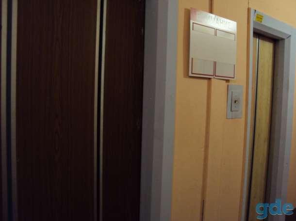 Продам квартиру в г Екатеринбург, г Екатеринбург бульвар Есенина 7, фотография 2
