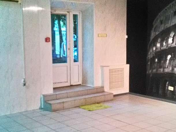 помещение 75 кв.м в центре пр.Ворошиловский/ул.Красноармейская, фотография 1
