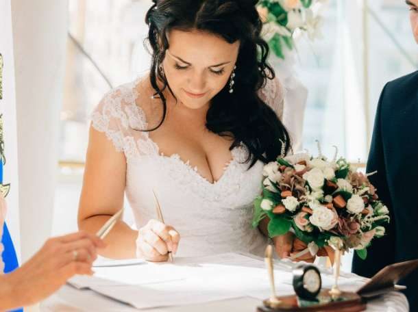 Продам красивучие свадебное платье, фотография 1