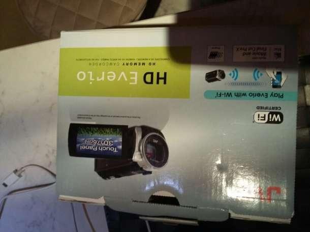Камера JVS HD Everio, фотография 2