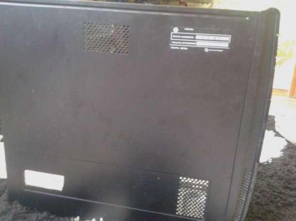 Системный блок и большой монитор, фотография 1