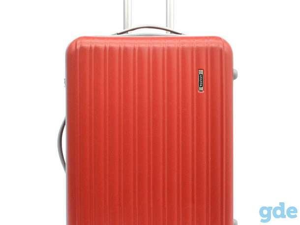 Пластиковые чемоданы, фотография 1