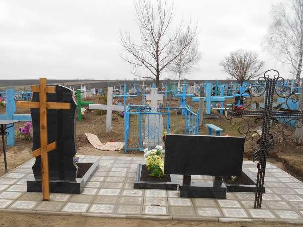 Укладка тротуарной плитки на кладбище, фотография 7