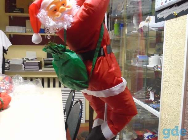 Декоративная уличная фигура Деда Мороза, фотография 4