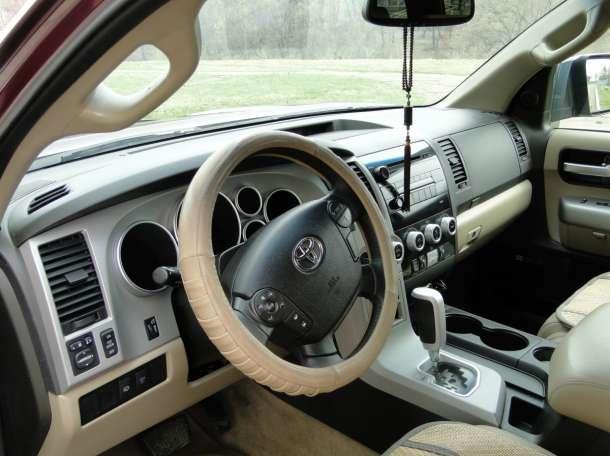 Toyota Sequoia 2008г.в., фотография 8