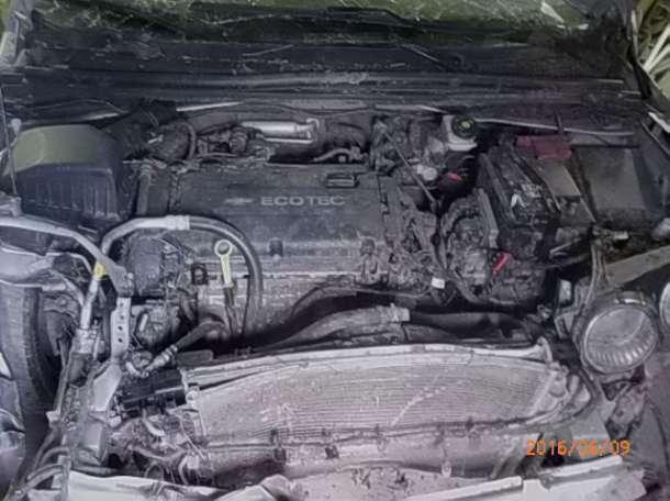 Продам Шевролет Авео 2012 года (битый), фотография 4