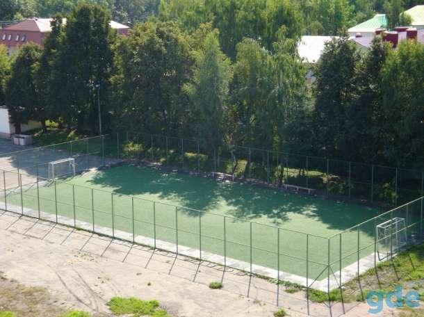 футбольное мини поле c искусственным покрытием, фотография 3