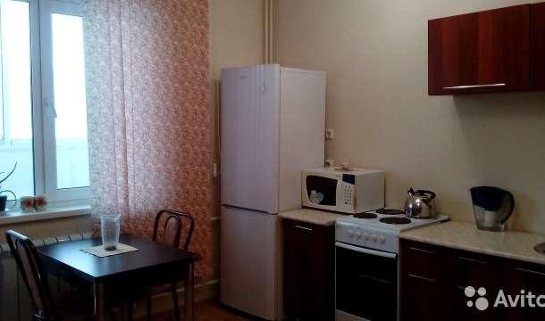 Сдам студию на длительный срок, ул.Алексадра Шмакова дом 10, фотография 1