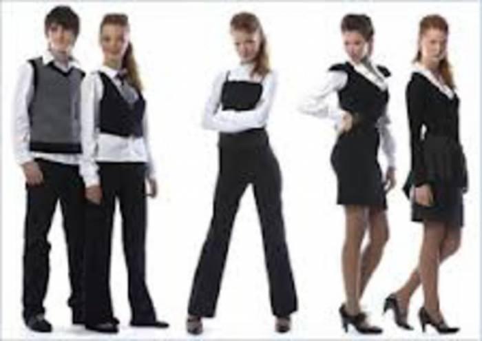 Покупая материал для школьной одежды или выбирая готовое изделие, обращайте